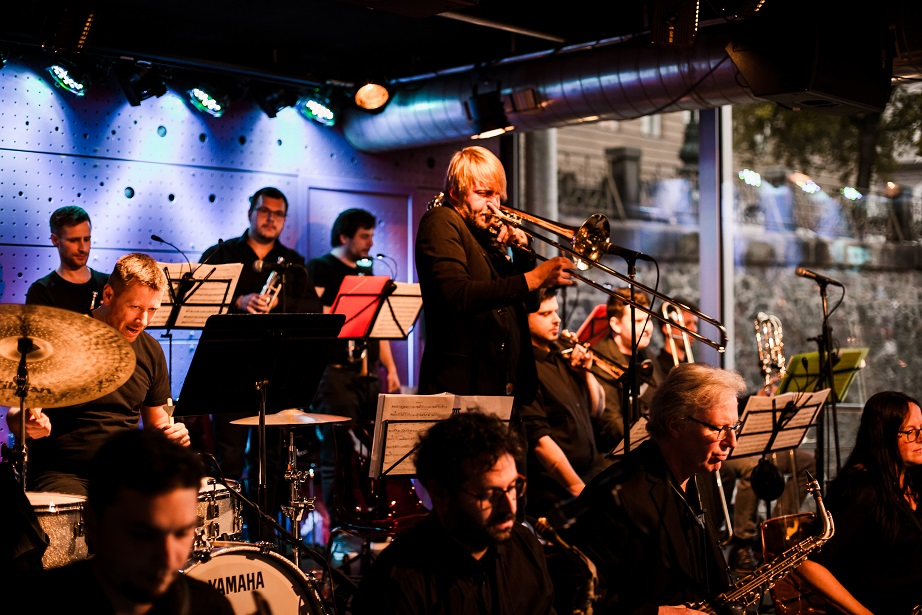 Foto & Video: Jazz Dock Orchestra reopening the club